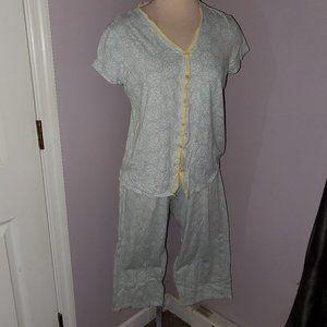 Laura Scott Pajama Set Size Medium